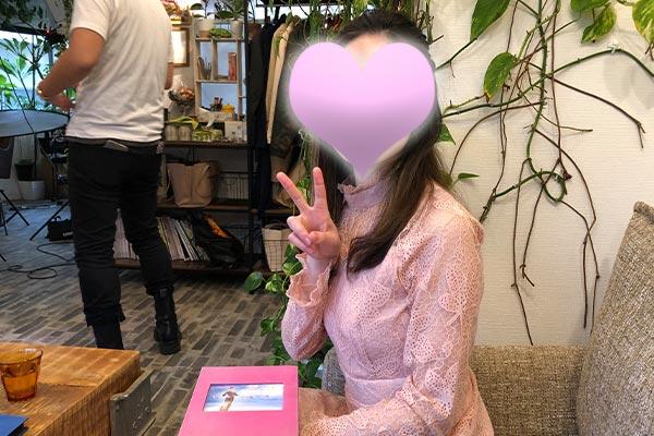 結婚相談所 東京 渋谷 20代 30代 ピースサイン